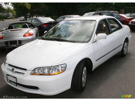 1998 honda accord white 1998 taffeta white honda accord lx sedan 16146232
