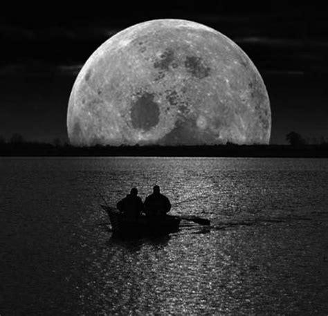 imagenes de lunas oscuras la luna se aleja nos abandona la luna se despide taringa
