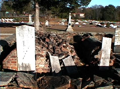 of the table forsyth forsyth cemetery co ga table box tombs