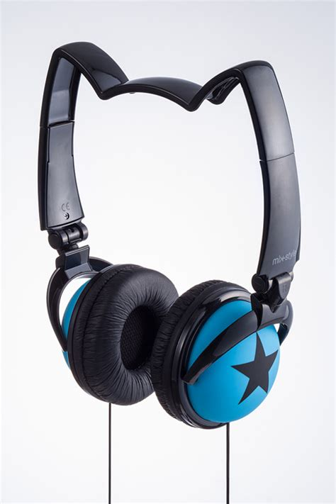 Headphone Nekomimi Axent Wear Cat Ear Headphones Are A Roaring Success