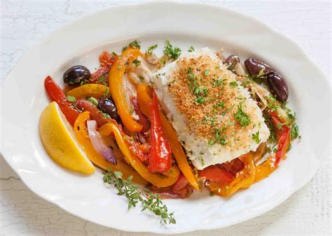 halibut with fennel peppers and tomatoes recipe simplyrecipes com