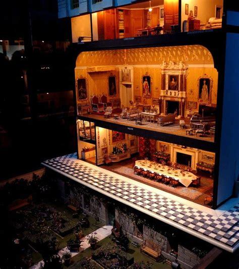 queen mary s dolls house la maison de poup 233 e de la reine mary queen mary s dolls