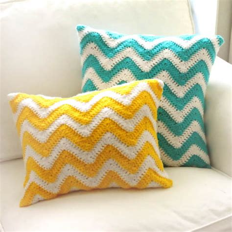 Pattern For Pillow Cover by Crochet Pattern Chevron Pillow Covers Crochet Spot