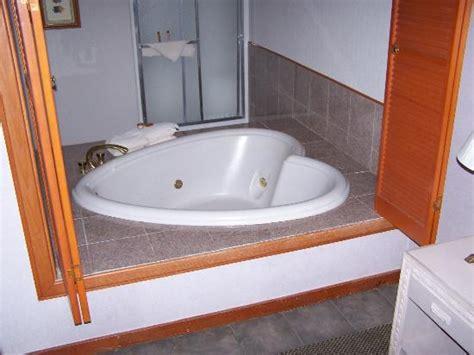 heart bathtub heart shape tub picture of bodega coast inn suites bodega bay tripadvisor
