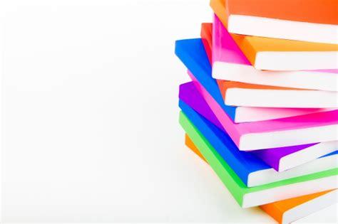 Imagenes De Libros Sin Fondo   monta 241 a de libros con el fondo blanco descargar fotos gratis