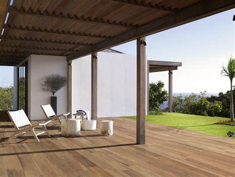 piastrelle legno esterno pavimento in gres porcellanato effetto legno per interni