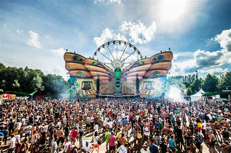 festival painting belgique tomorrowland finalizes 2016 lineup billboard billboard
