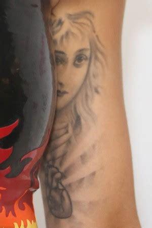 rita ora tattoo on her hand rita ora tattoos steal her style
