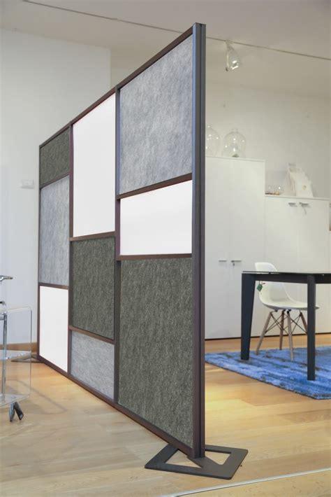 pareti fonoassorbenti per interni divisori per uffici open space moderni e di grande