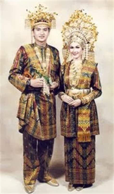 Baju Melayu Hitam Bersin shindy annissa pakaian adat riau