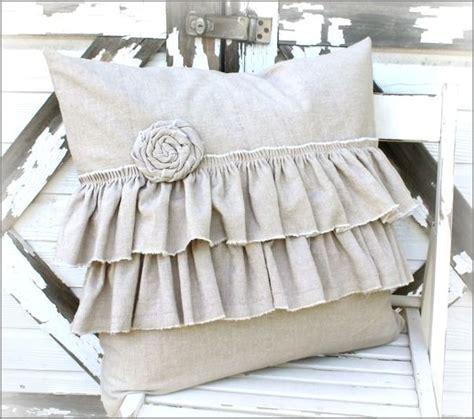 cute bed pillows french farmhouse items kuddar f 246 r hemmet och id 233 er