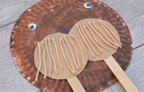 Walrus Paper Plate Craft - 10 cold weather critter crafts highlights for children
