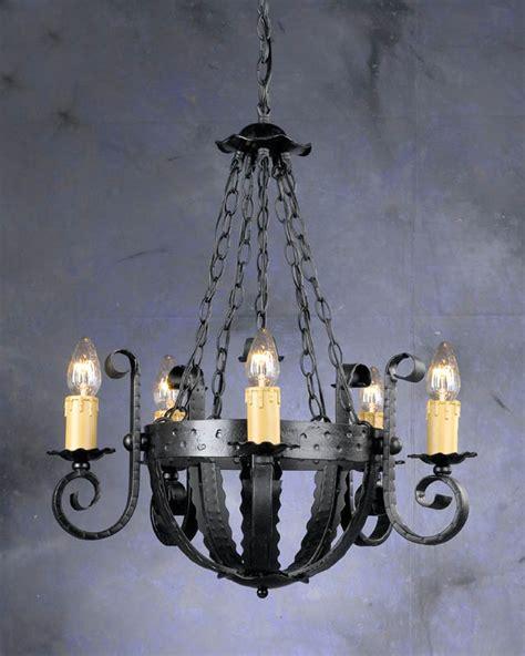 candelabros medievales el estilo decorativo medieval arquitectura de interiores
