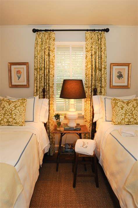 curtains with matching pillows twin beds in small guest room with matching curtains and