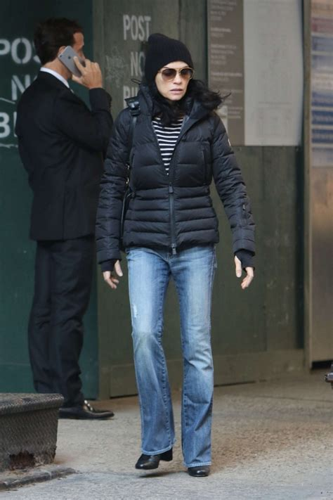 julianna margulies large head julianna margulies in jeans heads to the spa 13 gotceleb
