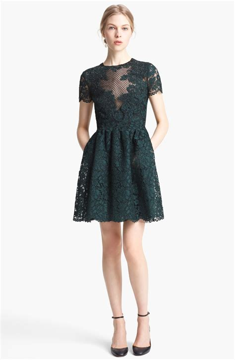 Lace Dress Green green lace dress fashion outlet review fashion gossip