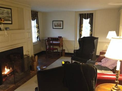 lightfoot tenement picture  colonial houses colonial williamsburg tripadvisor