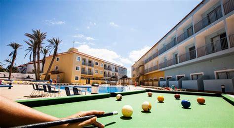 corralejo surfing colors apartamentos accommodations  surfing  fuerteventura