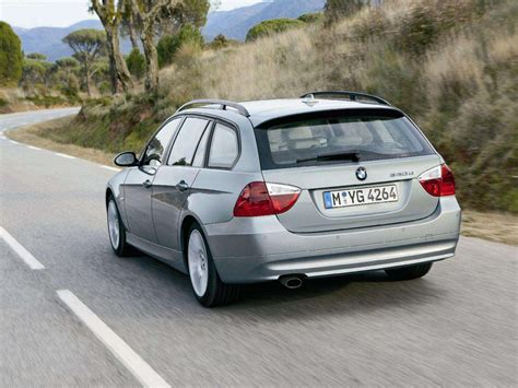 bmw  touring picture    rear angle