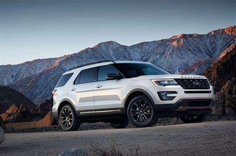ford explorer 2017 2017 ford explorer xlt sport appearance package to bow in