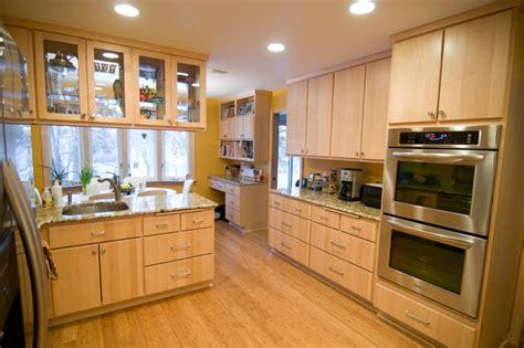 natural maple kitchen cabinets photos natural maple kitchen traditional kitchen