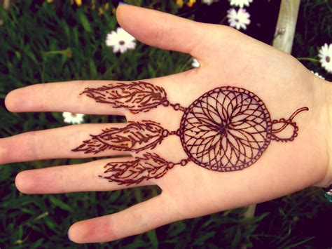 henna tattoo dream catcher henna catcher design on wrist 4 jpg 1600