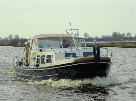 rivierboot kopen holiday boatin in friesland