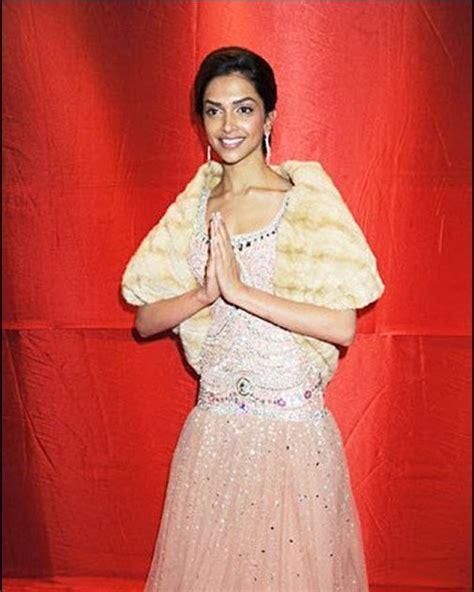 Deepika Padukone Wardrobe by Aishwarya Deepika Padukone Wardrobe Malfunction
