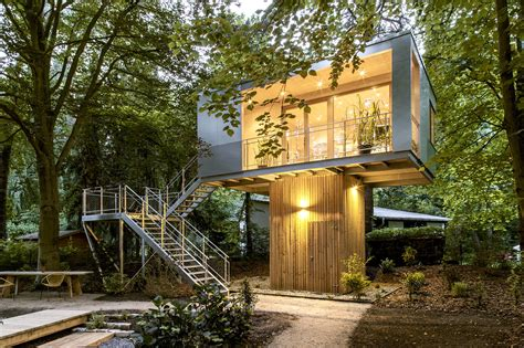 backyard treehouse ideas urban treehouse baumraum archdaily