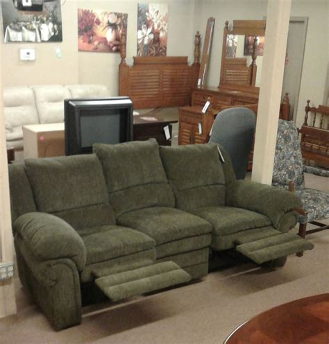 green reclining sofa lane green reclining sofa delmarva furniture consignment