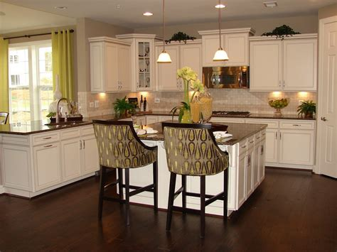 Small Kitchen Islands With Stools by Timeless Kitchen Idea Antique White Kitchen Cabinets