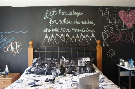 chalkboard bedroom wall ideas chalkboard walls bedroom chalkboardpaint art zaina s