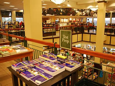 The Wall Mba Barnes And Noble by Barnes Noble Founder Wants To Buy Business Insider