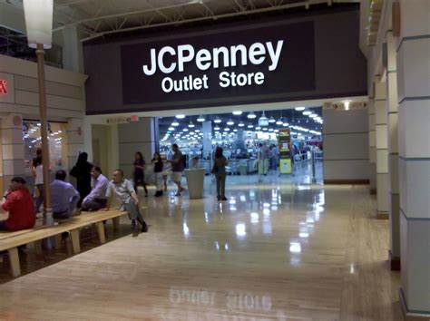 file potomac mills jcpenney outlet mall entrance jpg wikimedia commons