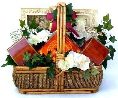 comfort basket ideas pin by kris covington on gift giving wrap ideas