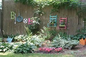 Garden Fence Decorating Ideas 25 Ideas For Decorating Your Garden Fence