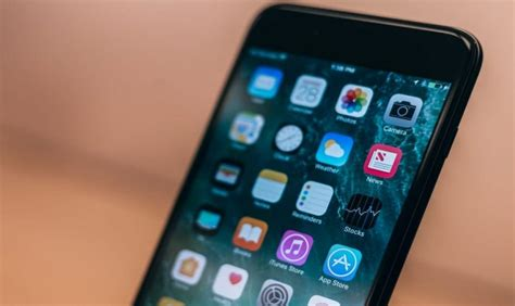 apple s ios 12 0 1 software update causing new problems to users