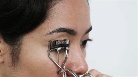 Eyelash Curler Miniso we tested the most eyelash curler in the world bloom