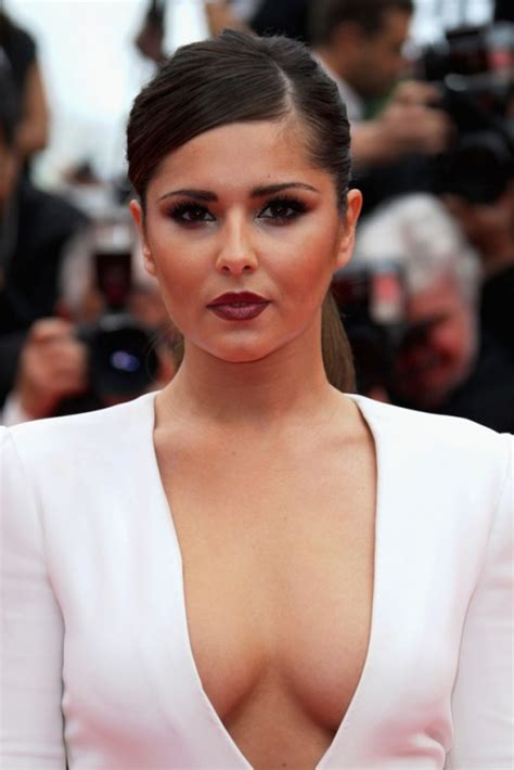 cheryl cole crowned britain s beauty icon indiatimes com