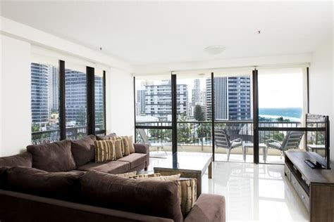 2 bedroom apartments surfers paradise accommodation paradise centre apartments two bedroom executive