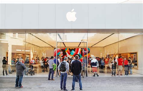 check out apple s reved newly reopened westfield utc