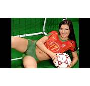 2017 Sexy Girls Play Football In Bodypaint Kits Fitness