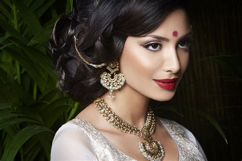 hair and makeup artist london indian asian bridal hair makeup artist in london and