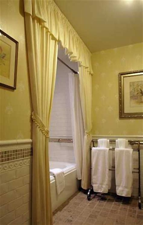 yellow tile bathroom paint colors 25 modern bathroom ideas adding yellow accents to