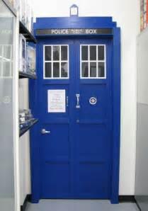 tardis door bedroom door my inner geek pinterest tardis bedroom door by thedaleofthedead on deviantart
