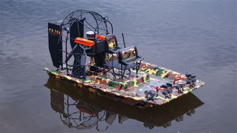 floating boat command hobby rc testing the aquacraft cajun commander tested