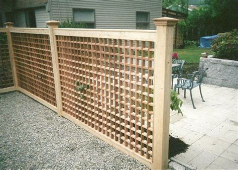Square Trellis Fencing 1000 Ideas About Lattice Fence On Fencing