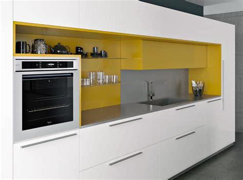 cuisine blanche et jaune ophrey com cuisine blanc jaune pr 233 l 232 vement d