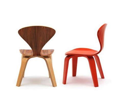 sillas y mesa infantiles mesa y sillas de dise 241 o para habitaciones infantiles