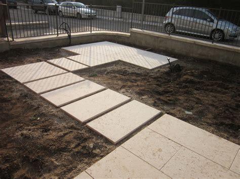 pavimentare il giardino posa beole da giardino cemento armato precompresso